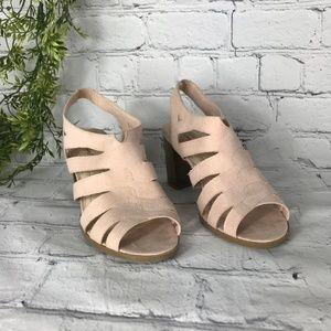 Dexflex Comfort Strappy Stacked Heel Sandal 10W